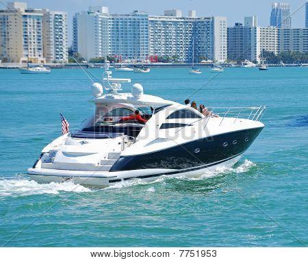 Cruising on the Florida Intercoastal Waterway