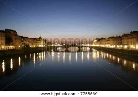 Florence, Arno river at dust