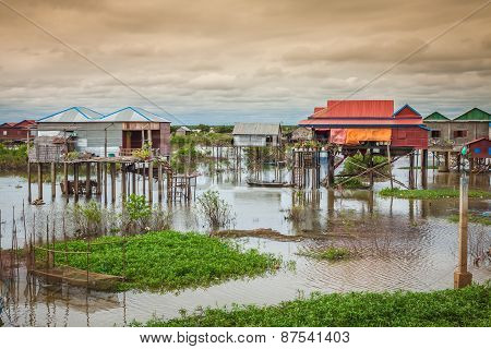 Homes On Stilts On The Floating Village Of Kampong Phluk, Tonle Sap Lake,siem Reap Province, Cambodi