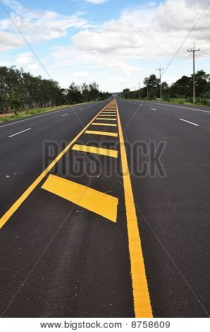 Yellow Line Traffic Sign