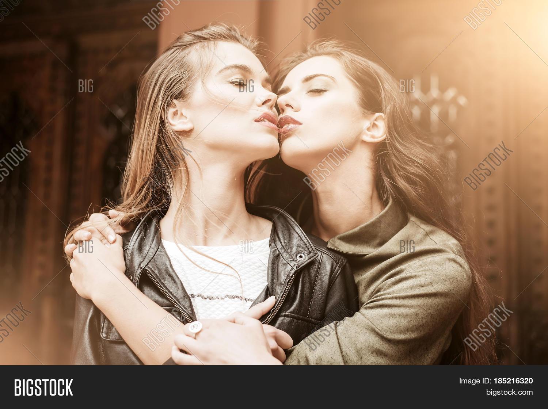 Ebony Teen Lesbians Kissing