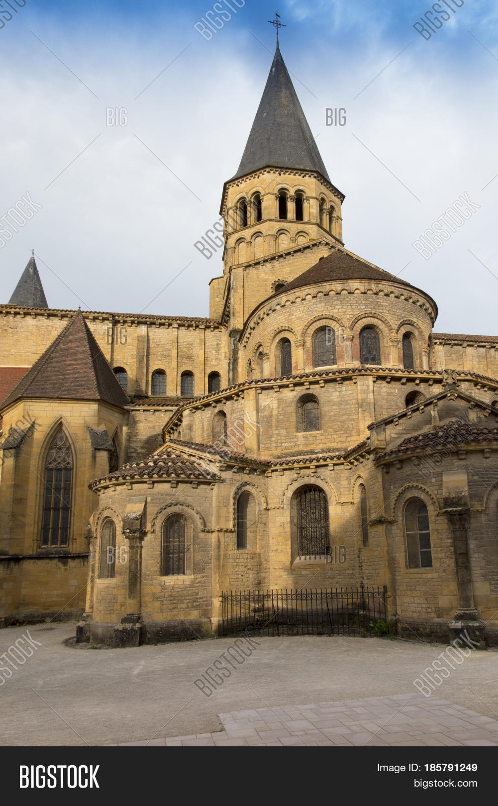 Architecte Paray Le Monial basilica du sacre image & photo (free trial) | bigstock