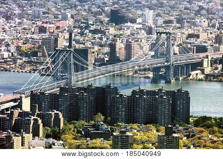 Williamsburg Bridge in New York and The Williamsburg Town
