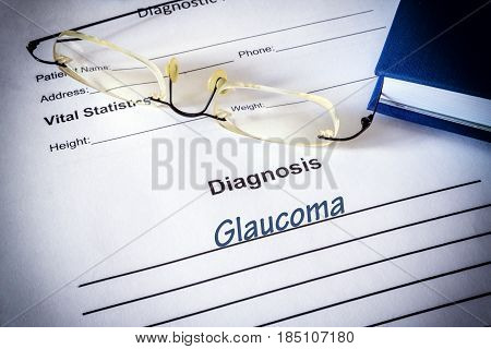 Diagnosis list with glaucoma. Eye disorder concept.