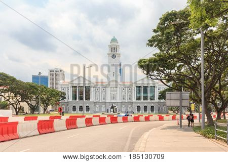 SINGAPORE - MAY 15, 2016: Victoria Theatre and Concert Hall in Singapore at blue sky with clouds.