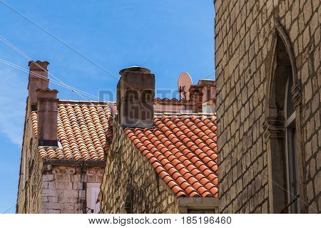 Free of most modern features it's easy to see why Dubrovnik attracts so many film producers to use as film sets. Its limestone walls & pretty coloured rooftops give it a fairy tale-like feel.