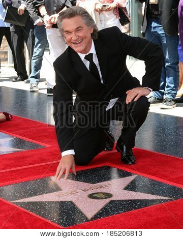 LOS ANGELES - MAY 4:  Kurt Russell at the Kurt Russell and Goldie Hawn Star Ceremony on the Hollywood Walk of Fame on May 4, 2017 in Los Angeles, CA