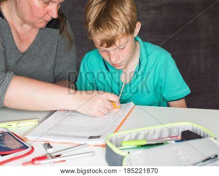 Child gets tutoring lessons in Old School Design