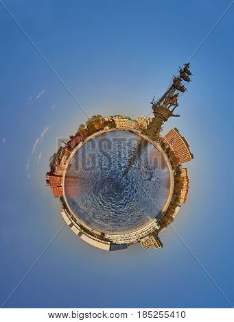 Small Planet - Moscow River With Peter The Great Monument