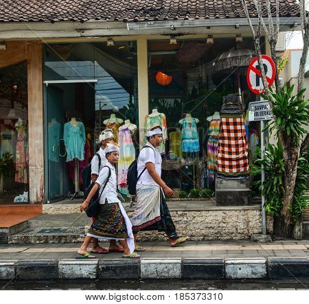 People At Central Market In Bali, Indonesia