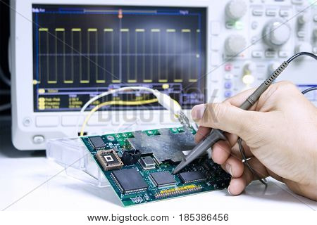 Repair and Measurement of Electronic Circuits with Oscilloscopes
