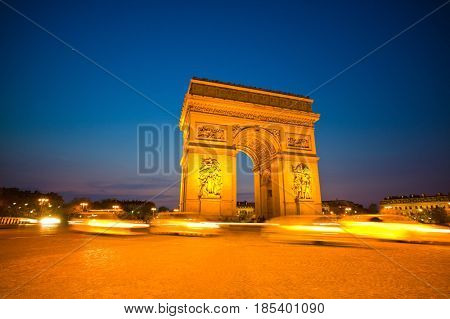 paris, paris, france. arc de triomphe