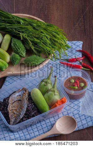 Rice Berry Fried Mackere Shrimp-paste Sauce And Vegetable Boxset