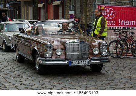 Berlin - May 11: Car Mercedes-benz 280 Se Cabriolet (w111), 26Th Oldtimer-tage Berlin-brandenburg, M