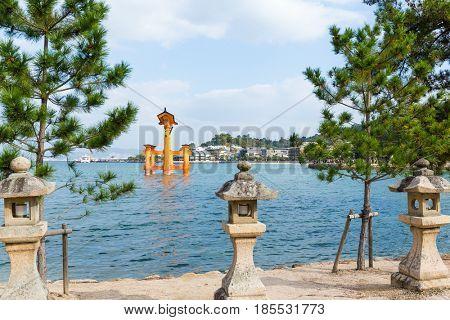 Floating Torii Gate in Hiroshima of Japan, Itsukushima shine
