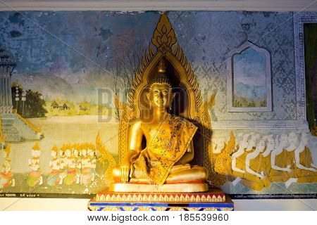Buddha Sculptures In Old Temple