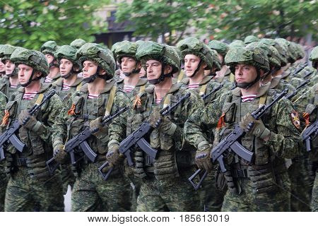 Donetsk Ukraine - May 9 2017: Infantrymen of the army of the Donetsk People's Republic at the military parade in honor of the anniversary of victory in the Second World War