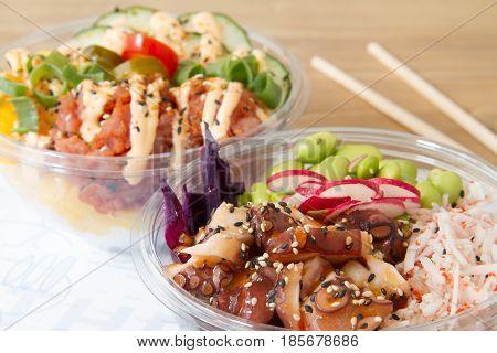 Poke de pescado y pulpo. Comida asiática.  Poke of fish and octopus. Asian food.