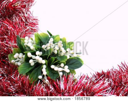 Red Garland With Mistletoe Frame