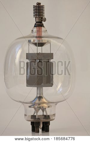 the vacuum tube Powerful electronic radio lamp