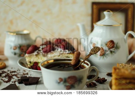 Pleasant tea in a cozy and beautiful atmosphere.