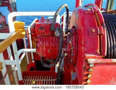 Hydraulic motor drive role sling of crane.Offshore crane.
