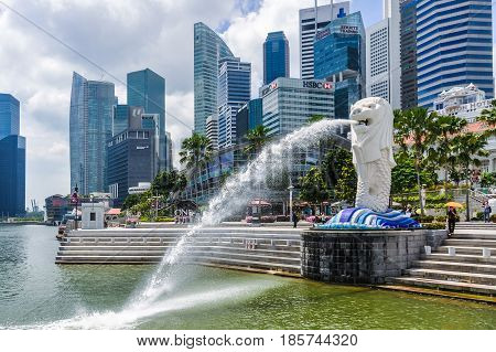 SINGAPORE - OCTOBER 29, 2012: The Lion Fountain the symbol of the city in the city-state of Singapore