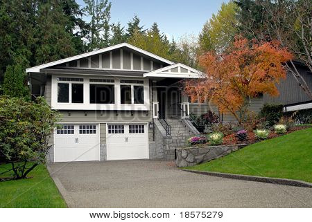 A suburban house in autumn.