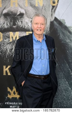LOS ANGELES - MAY 8:  Jon Voight at the