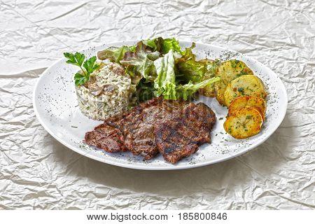 vegetable, roast beef and mashed potatoes