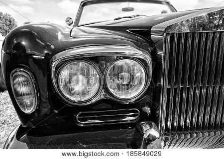 Paaren Im Glien, Germany - May 19: Detail Of The English Luxury Car, Rolls-royce Corniche, Black And