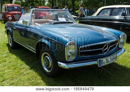 Paaren Im Glien, Germany - May 19: The Mercedes-benz W113 Is A Two-seat Roadster, Introduced At The
