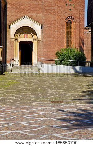 Door    Italy  Lombardy   Column  The Milano Grass