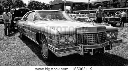 Paaren Im Glien, Germany - May 19: Full-size Luxury Car Cadillac Coupe De Ville 1974 (black And Whit