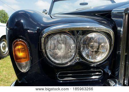 Paaren Im Glien, Germany - May 19: Headlamp Luxury Car Rolls-royce Silver Shadow,