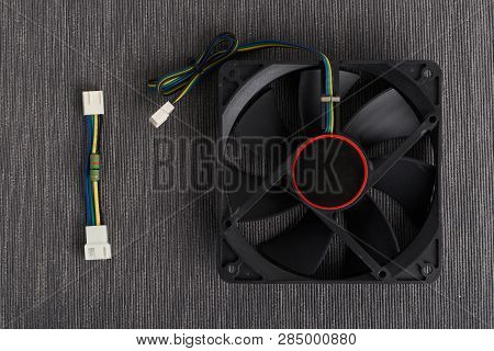 Computer Fan And Noise Resistor Cable To Reduce Computer Fan Speed
