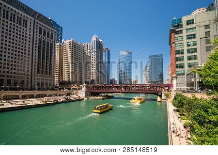 The Chicago River And Downtwn Chicago Skylinechicago, River, Lake, Michigan, Urban, Mississippi, Gre