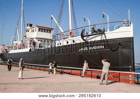 Samsun, Turkey - Aug 11, 2013: Tourists Visiting Bandırma Steamboat In Samsun