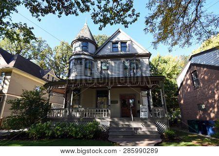 Ernest Hemingway Birthplace, Boyhood Home, Victorian Style House, Oak Park, Il, October 20, 2018