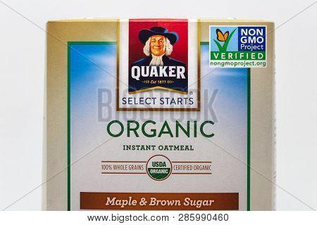 Quaker Organic Oatmeal And Non Gmo Verified Logo