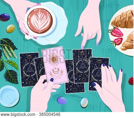 Drink Coffee And Wait On Arcane Cards At The Mystical Guide, A Session With A Fortune Teller With Ta