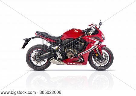 Sankt-petersburg, Russia Sptember 06 2020: Modern Red Sport Motorcycle Honda Cbr650r On White Backgr