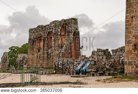 Panama City, Panama - November 30, 2008: Brown Stone Remnants Of Nave Wall Of Ancient Cathedral In R