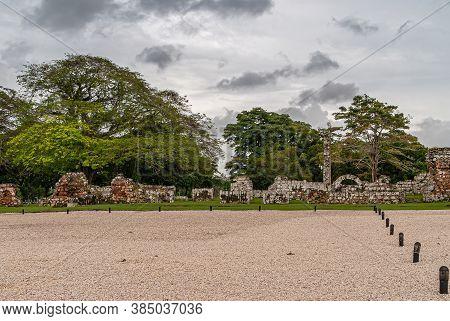 Panama City, Panama - November 30, 2008: Brown And Gray Stone Remnants Of Walls In Ruins At Park Of