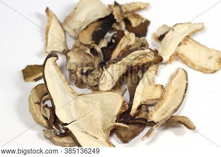 Mixed Dried Mushrooms Cut And Dried Mixed Dried Mushrooms Cut And Dried