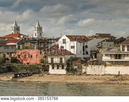 Panama City, Panama - November 30, 2008: Seen From French Park, Looking To Shoreline With New Luxury