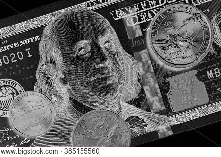 American Money: A Note Of 100 Us Dollars, Coin Of 1 Dollar, A Quarter (25 Cents) And A Penny (1 Cent