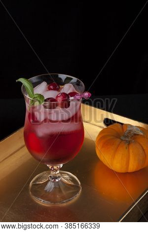 Whiskey-cranberry Cocktail - Fall Drinks