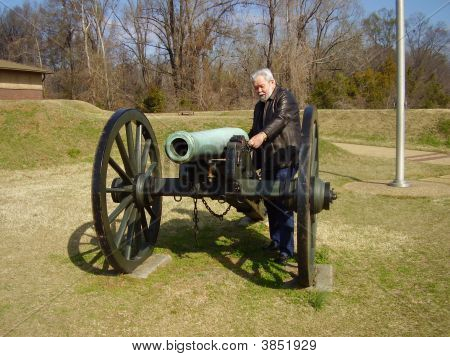Senior With Cannon At Vicksburg