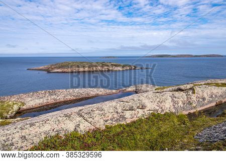 Rhythm Of Islands Of The Archipelago Of Kuzova. Kuzova Archipelago Located In The North Of Russia In